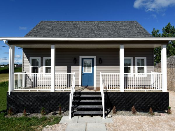 197 Sand Piper Bay W, St. Laurent for sale